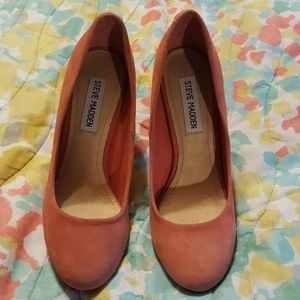 Steve Madden Suede 'Unity' Heels W/ Rounded Toes